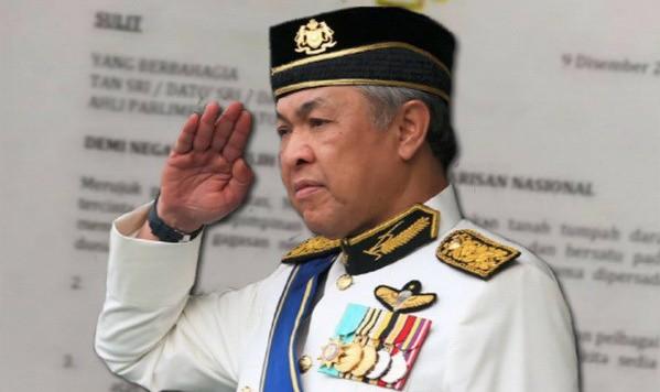 Bản photo bức thư giả được cho là được viết và ký bởi Phó Thủ tướng Zahid Hamidi yêu cầu Thủ tướng Najib Razak từ chức (Nguồn: Nst.com.my)