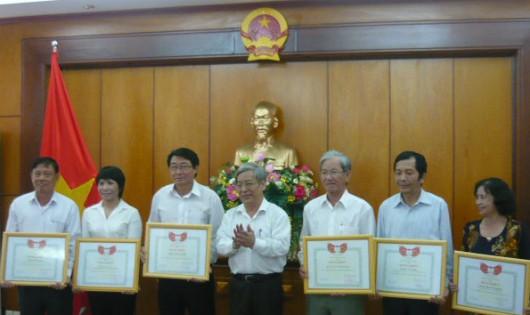 Các tập thể cá nhân được trung ương Hội khen thưởng.