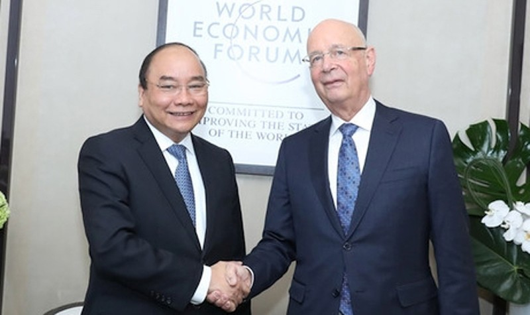 Thủ tướng Nguyễn Xuân Phúc và Chủ tịch WEF Klaus Schwab.