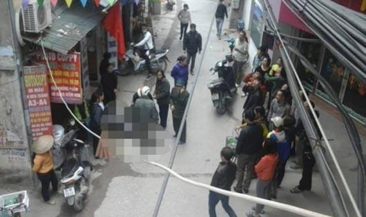 Nam thanh niên chết bất thường trong ngõ phố Hà Nội