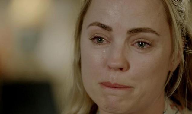 'Sao ngoại' khóc ròng kể về nỗi khổ lấy chồng đại gia