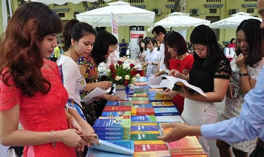 Bộ Tư pháp triển lãm sách hưởng ứng Ngày sách Việt Nam
