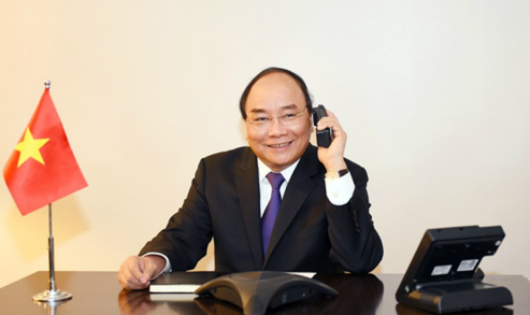 Thủ tướng Nguyễn Xuân Phúc điện đàm với một số nghị sĩ Hoa Kỳ. Ảnh: VGP/Quang Hiếu