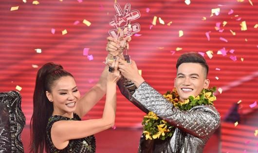 Hot boy 20 tuổi đoạt quán quân Giọng hát Việt 2017
