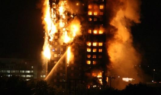 Tin mới nhất vụ cháy tháp 27 tầng giữa London: Nhiều người thiệt mạng