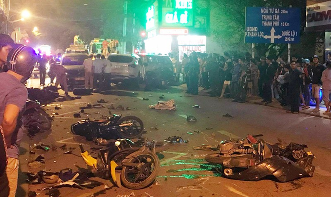 Kinh hoàng kể phút 'ô tô điên' càn quét' loạt người, xe trên đường TP HCM