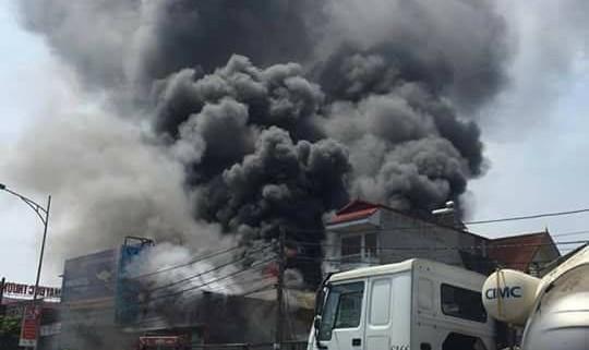 8 người thiệt mạng trong hỏa hoạn tại xưởng làm bánh ở Hà Nội
