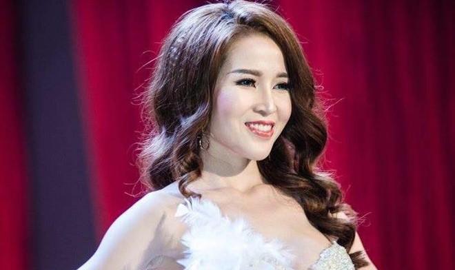 Người đẹp thi cho có danh hiệu Hoa khôi để bán dâm giá nghìn đô?