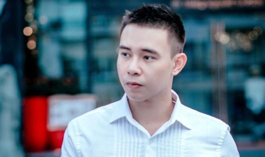 Ca sĩ Đông Hùng cầu cứu vì món nợ hàng tỷ đồng của mẹ