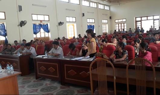 Buổi họp phụ huynh ở trường Đặng Cương