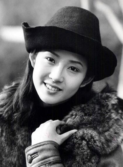 choi-jin-sil-hao-quang-khong-cuu-noi-kiep-hong-nhan