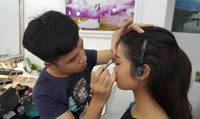 8 năm trong nghề, Hải Phong đã gặp phải rất nhiều tình huống trớ trêu.