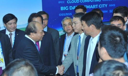 VNPT giới thiệu các sản phẩm, giải pháp công nghệ nổi bật tại Smart Industry World 2017