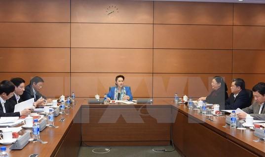 Chủ tịch Quốc hội Nguyễn Thị Kim Ngân chủ trì cuộc họp Ban tổ chức APPF 26. (Ảnh: Trọng Đức/TTXVN)