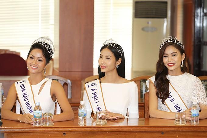HHen Niê và hai Á hậu đọ sắc cùng Miss Universe 2008 Dayana Mendoza - 2
