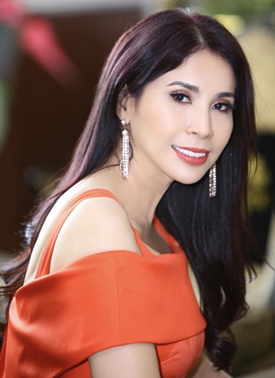 Nhan sắc tuổi 40 của diễn viên Lý Hương.