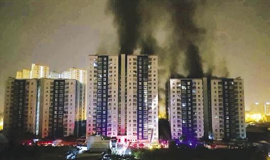 Yêu cầu Công an TP HCM sớm điều tra nguyên nhân cháy chung cư Carina Plaza