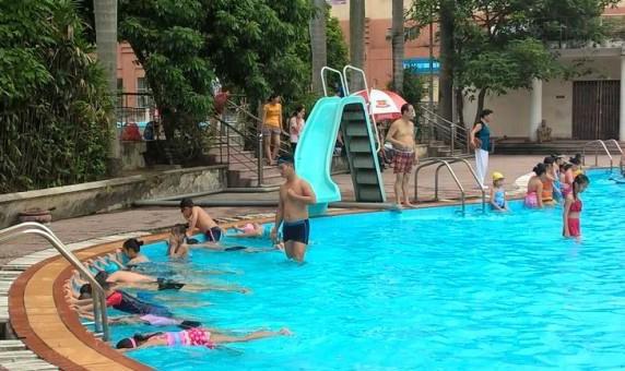 Mở lớp phổ cập bơi cho trẻ em toàn thành phố Hà Nội