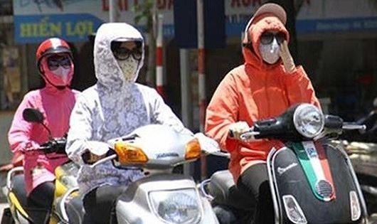 Nắng nóng gay gắt tiếp diễn diện rộng ở Bắc đến Trung Trung bộ