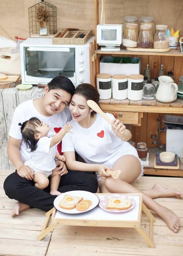 Vợ Võ Thanh Hòa cũng là gương mặt quen thuộc với nhiều khán giả. Mai Bảo Ngọc đã đóng nhiều phimnhư Fan cuồng, Tơ duyên, Lời nguyền, Chuyện của Ren... và dẫn chương trình Ẩm thực cuối tuần, Khám phá cùng teen.