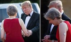 'Giải mã' thiết bị bí ẩn trên tay thủ tướng Anh trong cuộc gặp Tổng thống Trump