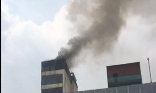 Hóa vàng mùng 1, cháy nhà 10 tầng ở Hào Nam, Hà Nội