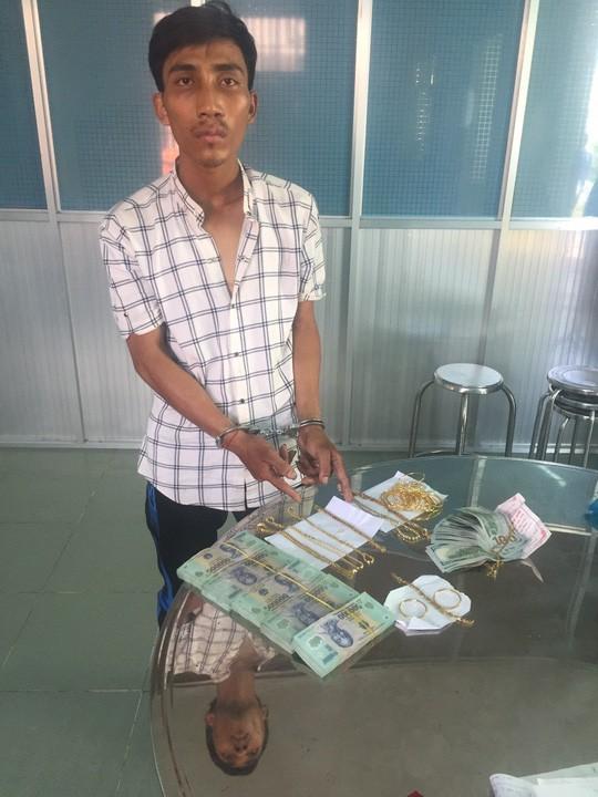 Bắt được đối tượng trộm gần 100 cây vàng ở Tây Ninh - Ảnh 1.