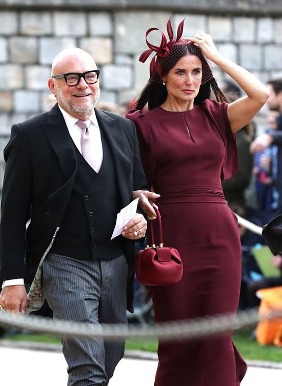 Nữ diễn viên Mỹ Demi Moore là bạn thân thiết của bố mẹ công chúa.