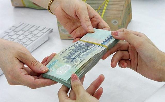 Với mức tăng 7%, lương cơ sở sẽ tăng thêm 100.000 đồng/tháng, từ mức 1,39 triệu đồng lên 1,49 triệu đồng.
