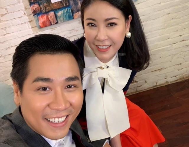 MC Nguyên Khang chia sẻ rất bất ngờ khi nghe Hoa hậu Hà Kiều Anh tiết lộ chuyện cô từng chia tay vì bạn trai đầu đời không thích cô đi thi Hoa hậu. Đồng thời, Hà Kiều Anh cũng tiết lộ rằng, mình đã yêu từ rất sớm khi cô vừa tròn 14 tuổi.