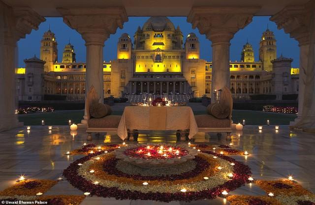 Quang cảnh nơi sẽ diễn ra đám cưới của Priyanka Chopra và Nick Jonas