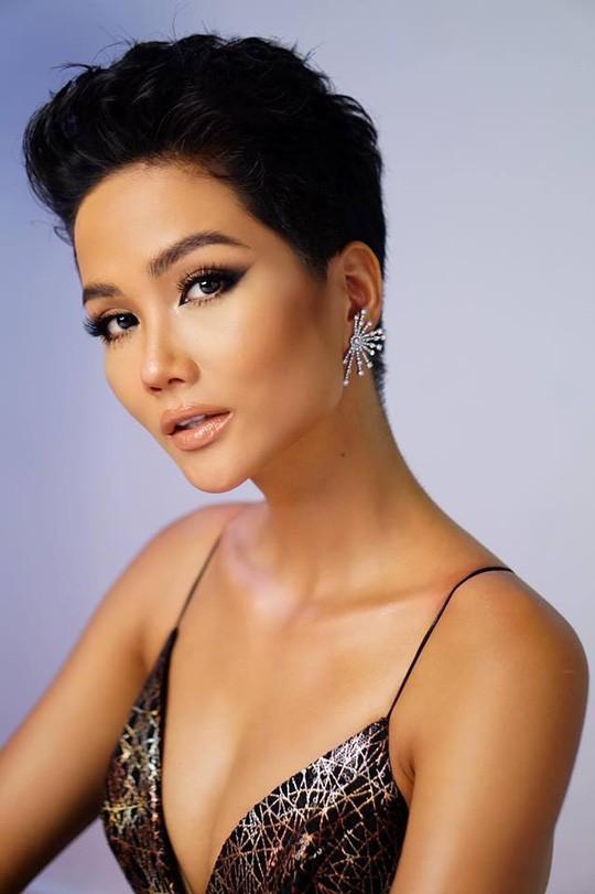 Chê tiếng Anh của HHen Niê, người đẹp Mỹ bị chỉ trích - Ảnh 3.