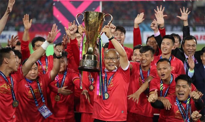 HLV Park Hang-seo xúc động 'tặng' chức vô địch cho người hâm mộ Việt Nam