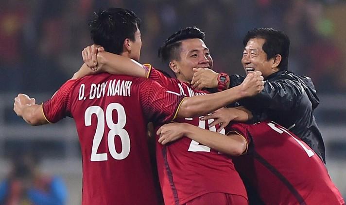 Xúc động tâm thư chia tay của trợ lý ông Park gửi cầu thủ Việt Nam