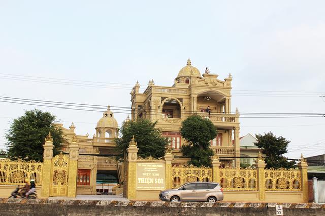 Sự thật về gia chủ và căn biệt thự dát toàn vàng ở Bà Rịa - Vũng Tàu - Ảnh 1.