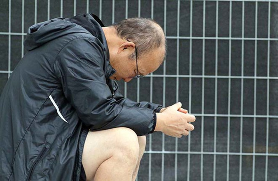 Vì sao HLV Park Hang-seo ngồi thẫn thờ ngoài sân Al Tayer? - Ảnh 4.