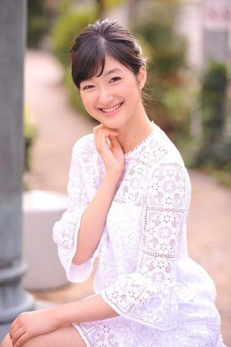 Tranh cãi nhan sắc của tân Hoa hậu Nhật Bản - Ảnh 9.