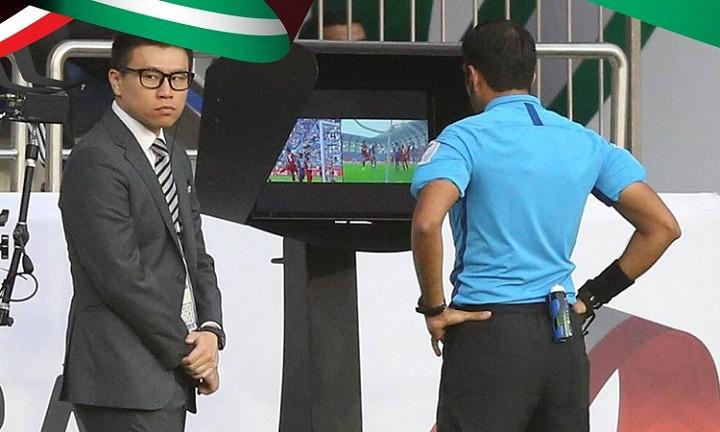 VAR khiến trọng tài hai lần thay đổi quyết định trong trận Nhật Bản - Việt Nam. Ảnh: Abu Dhabi Sports Council.