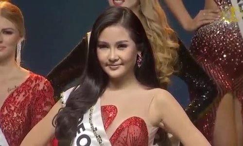 Lê Âu Ngân Anh trình diễn bắt chước Hoa hậu Hoàn vũ Catriona Gray