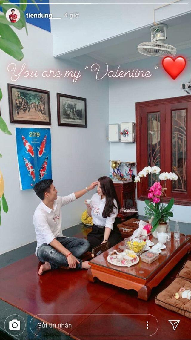 Dàn bạn gái tuyển U23 Việt Nam hào hứng khoe quà được tặng ngày Valentine - 3