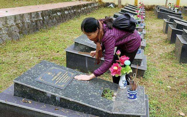 """Ngày về xúc động của """"cô học sinh"""" duy nhất sống sót ở hang Ngườm Hẩu 1979 - 10"""
