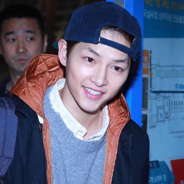 Song Joong Ki lần đầu xuất hiện sau tin đồn ly hôn - 3