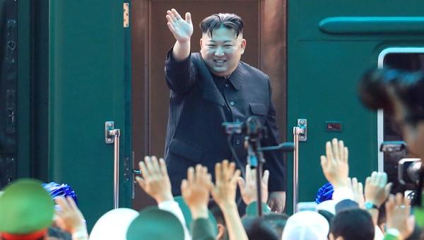 Ông Kim Jong Un lên tàu về Triều Tiên