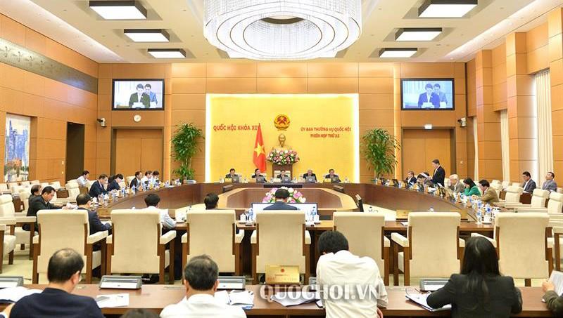 Toàn cảnh bế mạc phiên họp thứ 32 của Ủy ban Thường vụ Quốc hội.