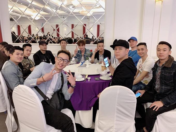 NSND Trung Hiếu và vợ kém 19 tuổi làm tiệc cưới tại quê nhà Thái Bình - 4