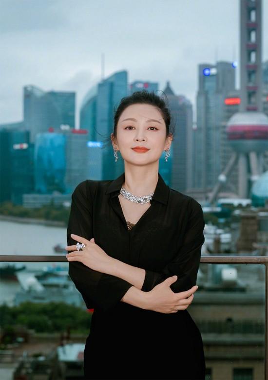 Diễn viên Trần Hồng tại Thượng Hải.