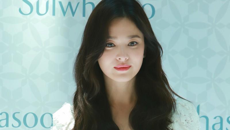 Song Hye Kyo nói gì trong lần đầu tiên sau vụ ly hôn 1500 tỷ?