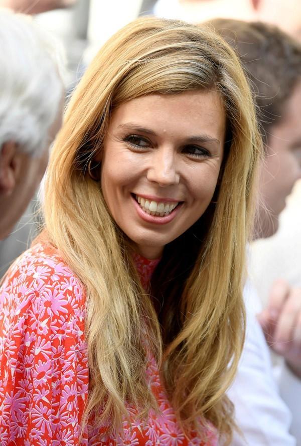 Nhan sắc Đệ nhất bạn gái bị mang tiếng hồ ly tinh phá vỡ hôn nhân 25 năm của tân Thủ tướng Anh - Ảnh 5.