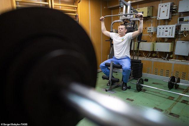Cuộc sống nhà binh bên trong tàu ngầm lớn nhất thế giới của Nga - 8