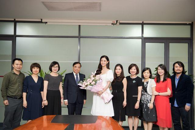 Cả trường bật cười vì câu nói ngây thơ của Hoa hậu Lương Thuỳ Linh - 5
